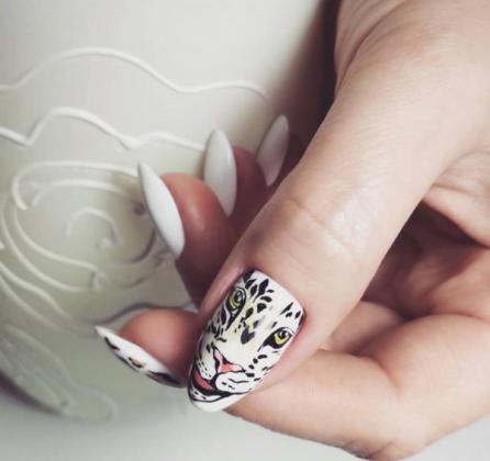 manucure-blanche-2019-2020-nail-art-animalistique