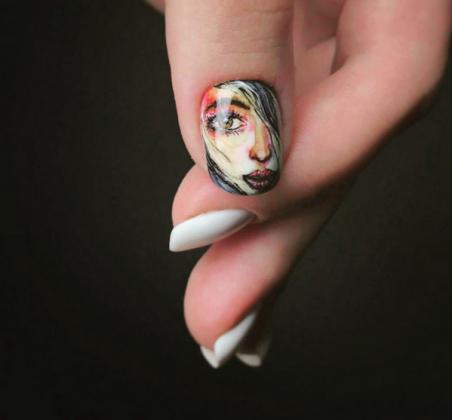 manucure-blanche-2019-2020-nail-art-portrait